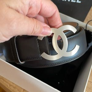 AUTHENTIC CC CHANEL LEATHER BELT NEVER WORN